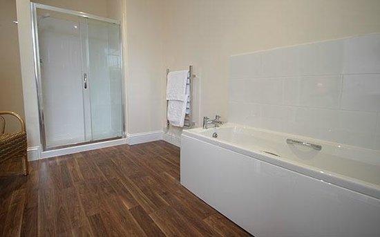 Glenleigh House Bed & Breakfast : Room Four bathroom