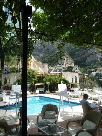 Hotel Poseidon: poolside terrace