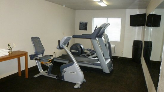 Oak Tree Inn: Exercise Room