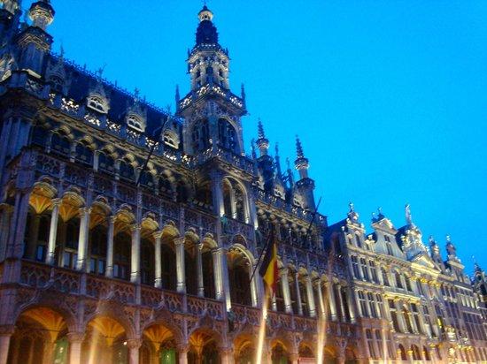 Gran Plaza: De noche, enero 2014