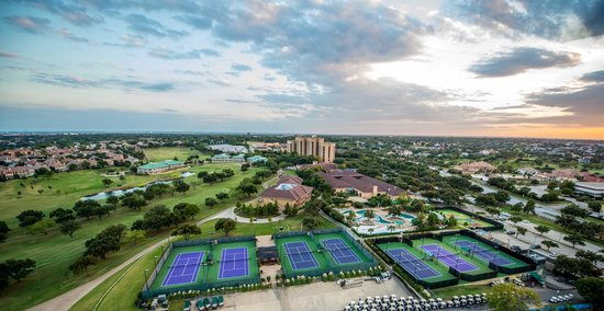 Four Seasons Resort and Club Dallas at Las Colinas: Aerial view of the main Resort.