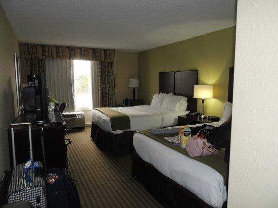 Holiday Inn Express N. Myrtle Beach-Little River : habitacion