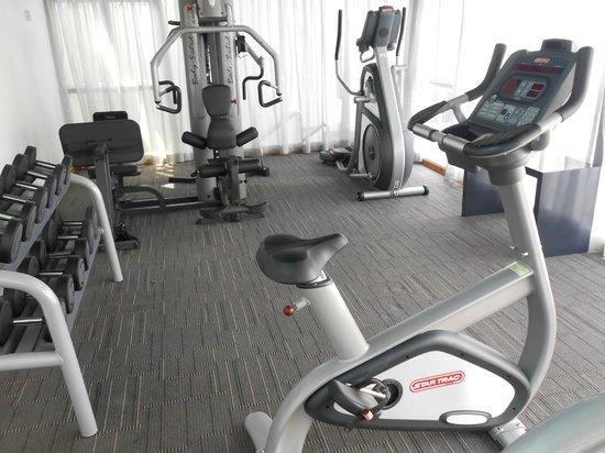Liberty Central Saigon Centre Hotel : Salle de fitness: elliptique et muscu