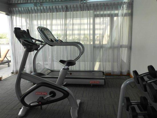 Liberty Central Saigon Centre Hotel: Salle de fitness: tapis de course et vélo