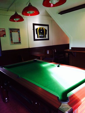 The Muirs Inn: Pool table
