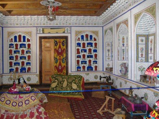 Fayzulla Khujayev House: interno con nicchie per soprammobili