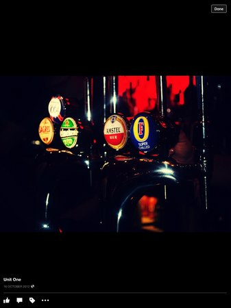 Unit One Bar & Grill: Great range of beers!