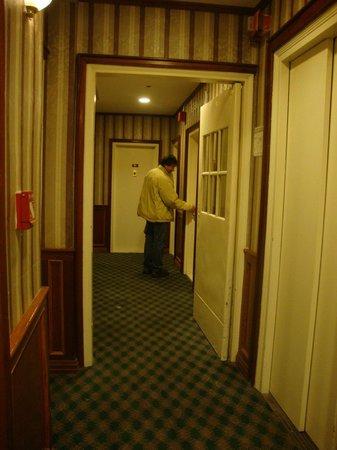 Hotel St. James: Corredor