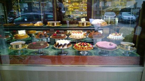 Pasticceria Castelnuovo : La loro vetrina