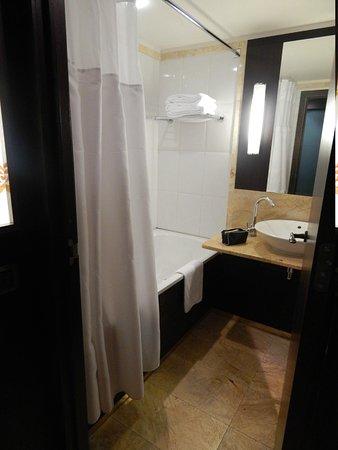 Parker Hotel Brussels Airport: salle de bain