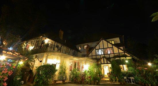 Smokehouse Hotel Cameron Highlands: SmokeHouse in The Night