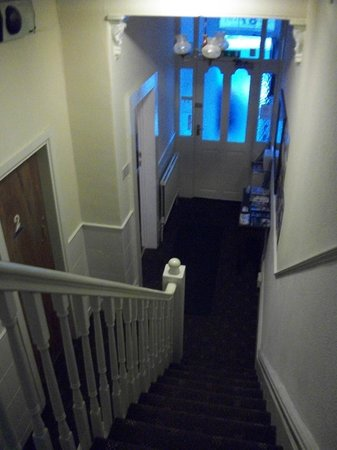 Ascot Guest House: front hallway