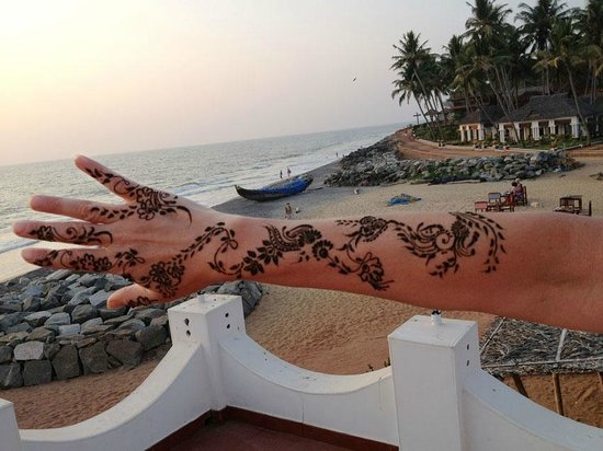 Palm Tree Heritage: My henna painting!