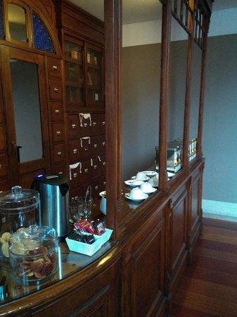 Heritage Avenida Liberdade Hotel : Tea Making Facility