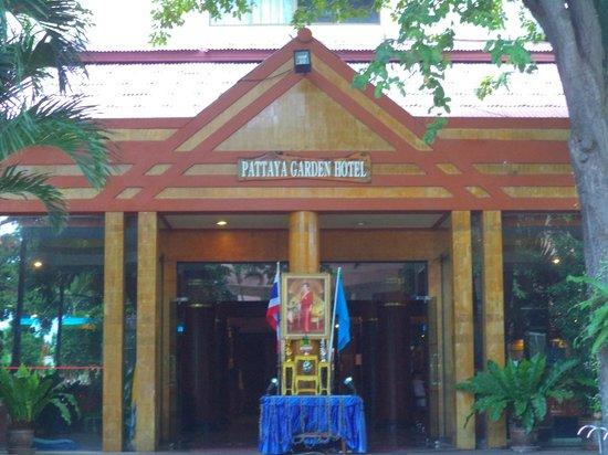 Pattaya Garden Hotel: Hotel Entrance