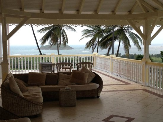 Le Domaine Saint Aubin : The verandah