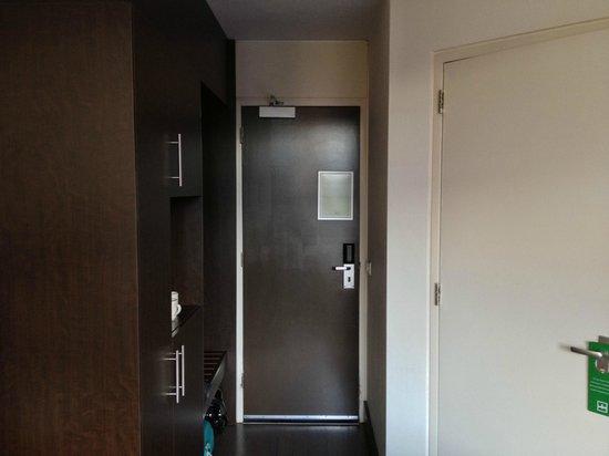 Amsterdam Tropen Hotel: The room
