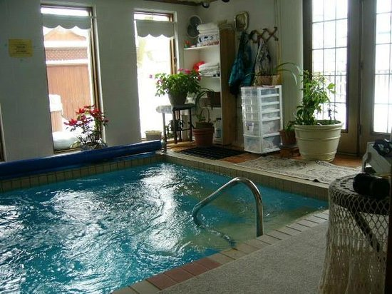 Moms Bed Breakfast Indoor Endless Pool Outdoor Hot Tub