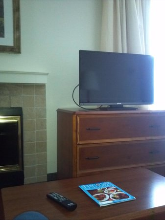 Suburban Extended Stay Hotel: small flat screen tv