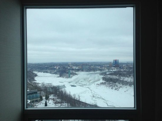 Embassy Suites by Hilton Niagara Falls Fallsview Hotel: View by looking straight out