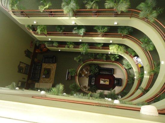 Faraona Grand Hotel : Vista a la recepción desde el hall de las habitaciones
