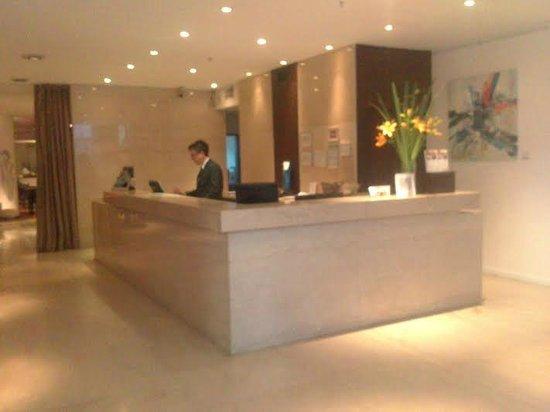 Dazzler San Martin: Concierge