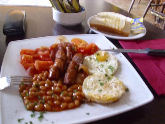 Time Square: English breakfast for 5 eur
