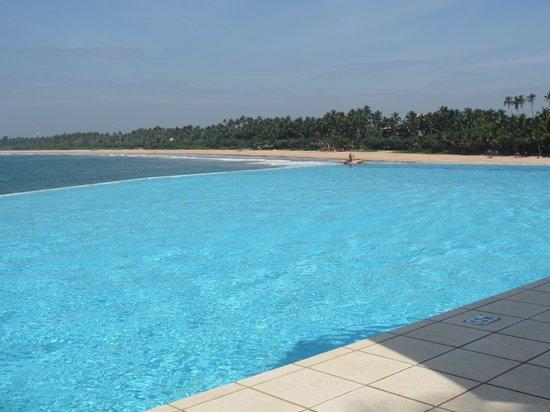 Saman Villas: Great infinity pool