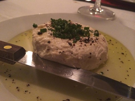 Trois Gourmands: House made cream cheese with shallots