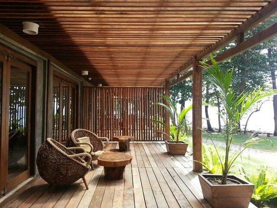 The Pade Resort: Outside the lobby, balcony, facing the sea
