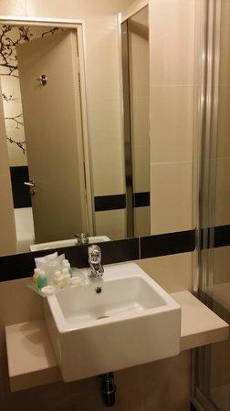 Hôtel Vivaldi: Salle de bains