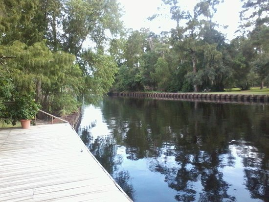 Palmettos on the Bayou : Palmetto's - outside view 8