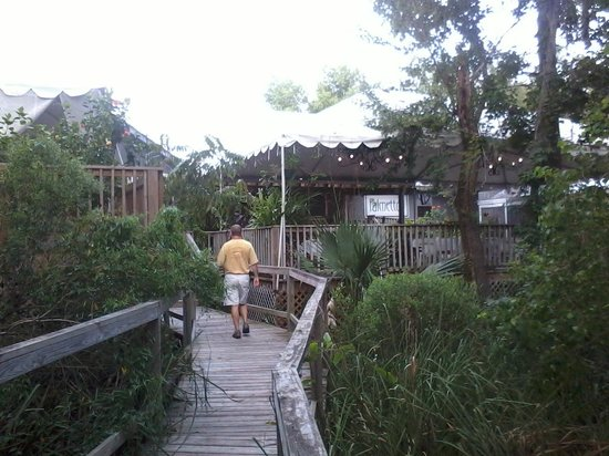 Palmettos on the Bayou: Palmetto's - outside view 3