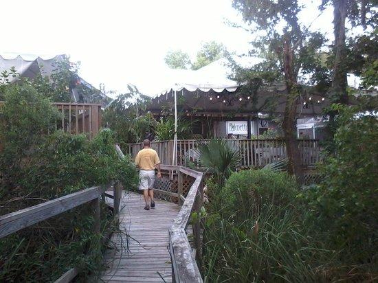Palmettos on the Bayou : Palmetto's - outside view 3