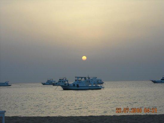 Lotus Bay: закат в отеле
