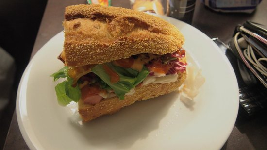 Quality Suites Bercy Bibliotheque: my homemade sandwich