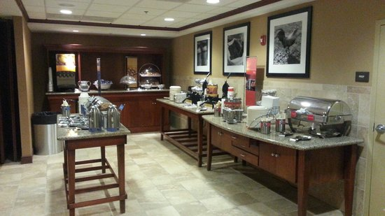 Hampton Inn & Suites Windsor - Sonoma Wine Country: Free Breakfast selections