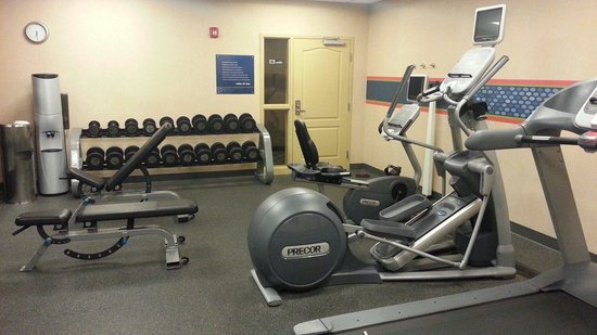 Hampton Inn & Suites Windsor - Sonoma Wine Country : Workout room