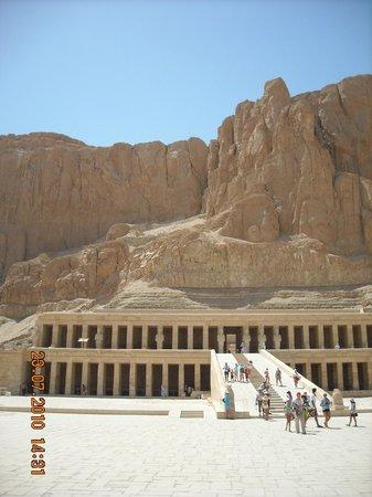Lotus Bay : Храм Хаптшесут в Луксоре