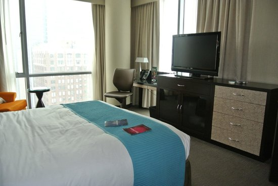 theWit - A DoubleTree by Hilton: another view of the bedroom..