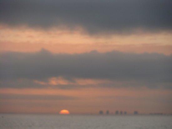 Holiday Inn Sanibel Island: Awesome sunrise!