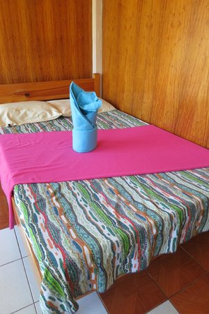 George Guest House: Double bed