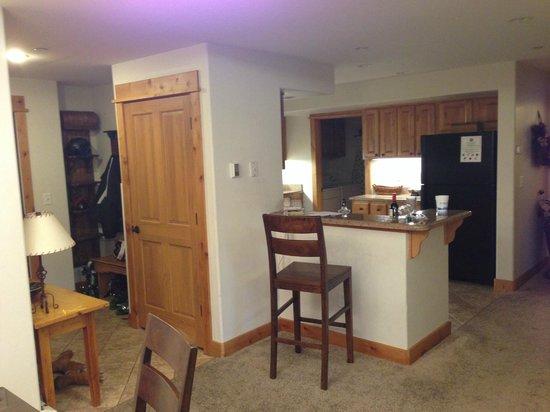 Canyon Creek Condominiums: Kitchen area