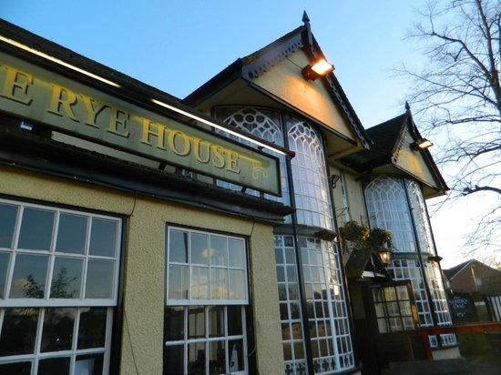 Hotels Near Broxbourne Train Station