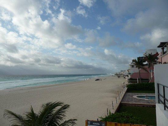 Flamingo Cancun Resort: plage sable blanc