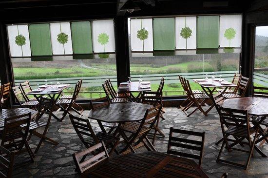 Comedor terraza picture of restaurante calzada romana for Comedor terraza easy