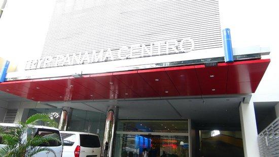 Tryp by Wyndham Panama Centro: Facciata Hotel