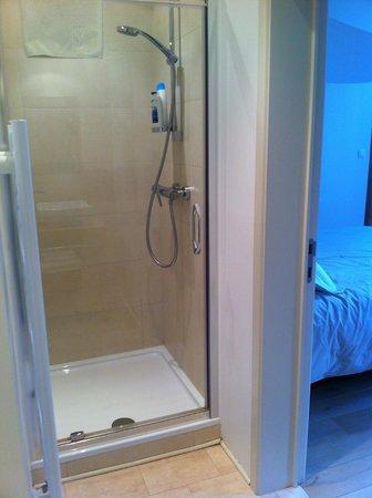 La Maison de la Poupee : Salle de bain