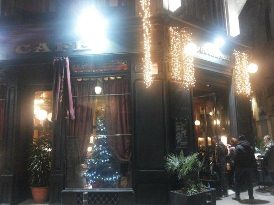 El Gran Cafe : Il locale da Fuori