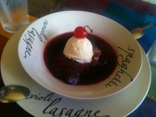 En Fuego Grill and Martini Bar: Surprise desert - delicious!!